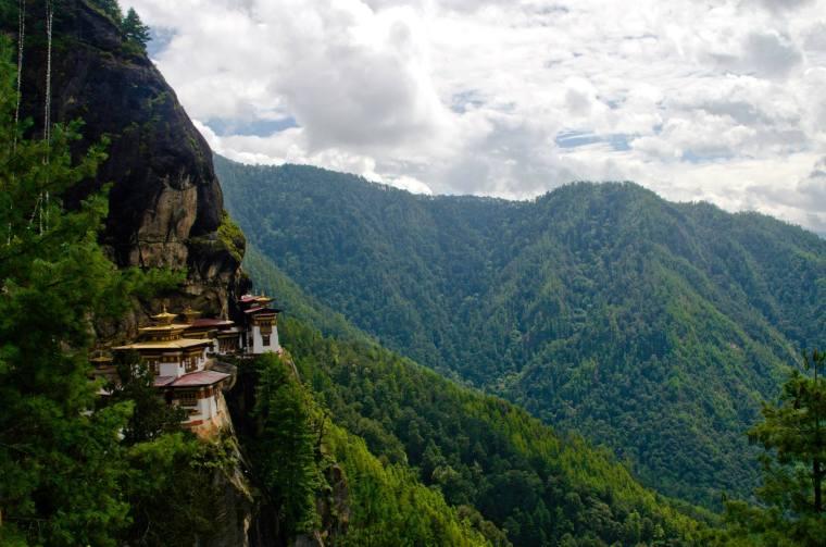 Vistas del Nido del Tigre (Tigernest), Bután