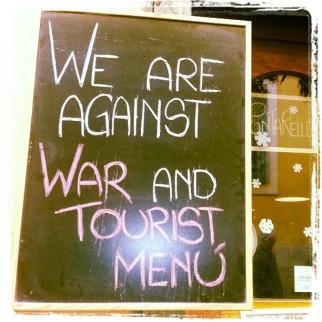 Declaración de intenciones de un bar en el Trastevere, Roma
