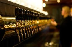 Olhallen Pub en Tromso: más de 50 tipos de cañas