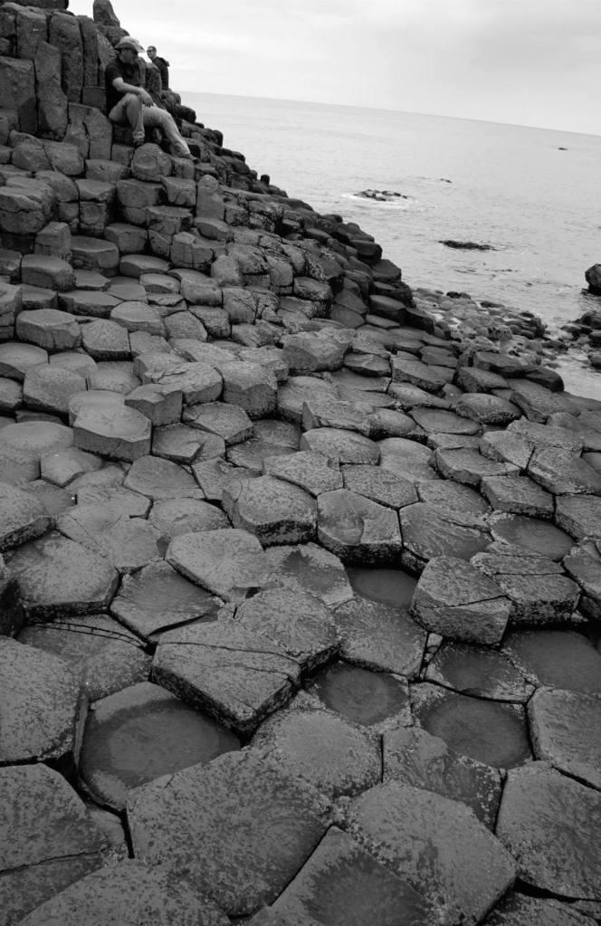 Columnas hexagonales de basalto que componen la Calzada del Gigante