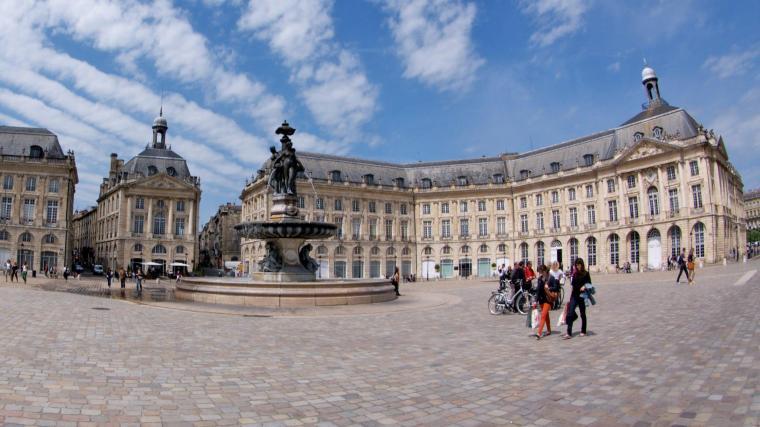 Plaza de la Bolsa en Burdeos