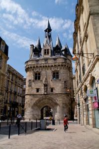 Puerta Cailhau en Burdeos