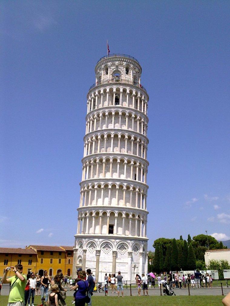 No hacen falta presentaciones: la torre inclinada de Pisa