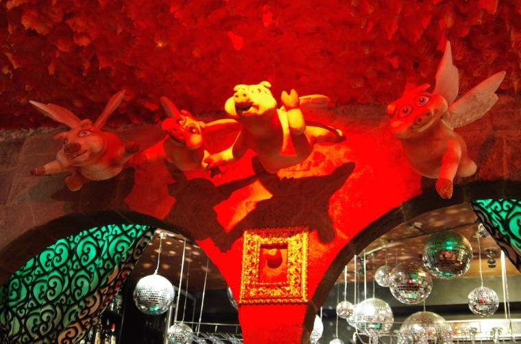 La decoración del bar Fallen Angel en Cuzco no deja indiferente