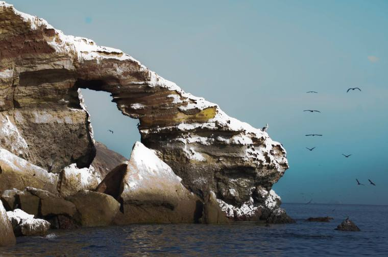 Las islas Ballestas son un conjunto de islas rocosas próximas a la costa peruana