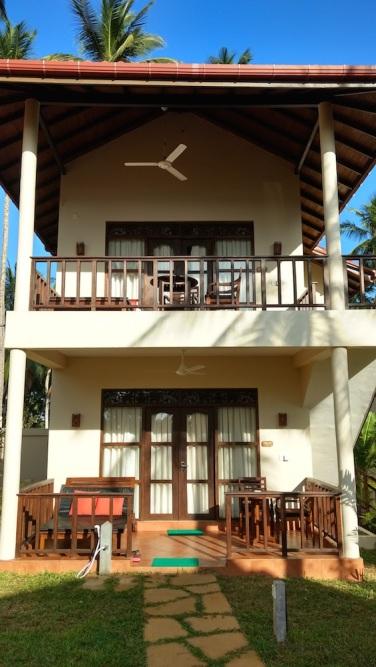 Hotel Lanka Beach Bungallows, en Tangalle. Las habitaciones eran casitas con sus terrazas individuales