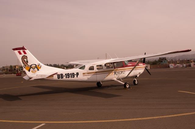 Avioneta con la que se sobrevuelan las líneas de Nazca