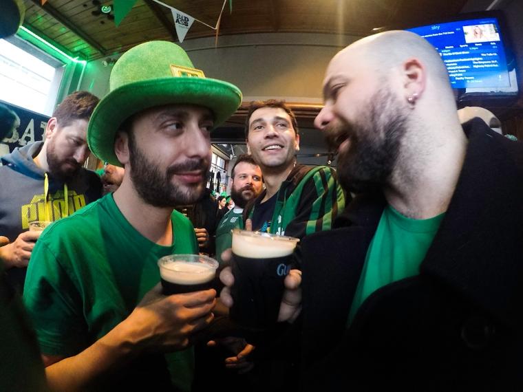 Coge tus mejores galas verdes y una buena pinta de Guinness para brindar por San Patricio