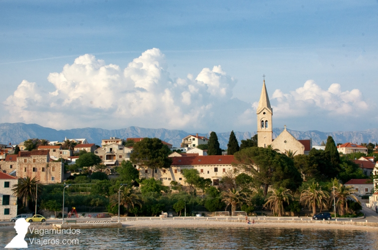 Llegando en ferry a Sumartin, en la isla de Brac, desde Makarska