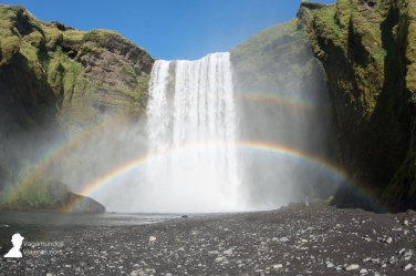 Doble arco iris frente a la cascada Skogafoss