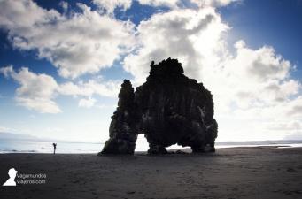 El rinoceronte de roca: Hvitserkur en la costa norte