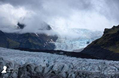 Lenguas de glaciar de la gran extensión de hielo del Vatnajökull