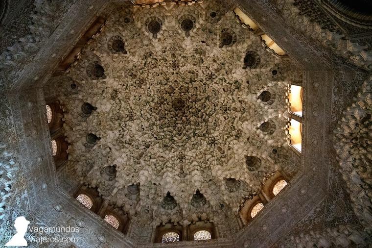Bóveda de mocárabes en los Palacios Nazaríes de la Alhambra