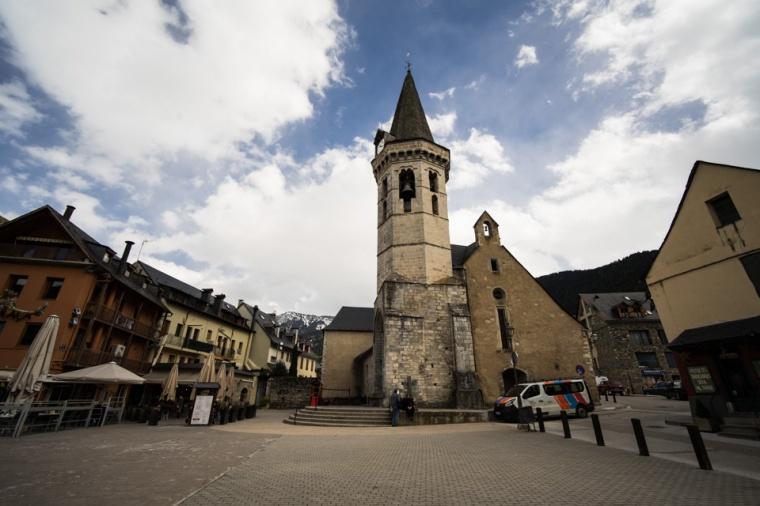 Iglesia de Miquèu en el centro de Vielha, Valle de Arán, Lleida